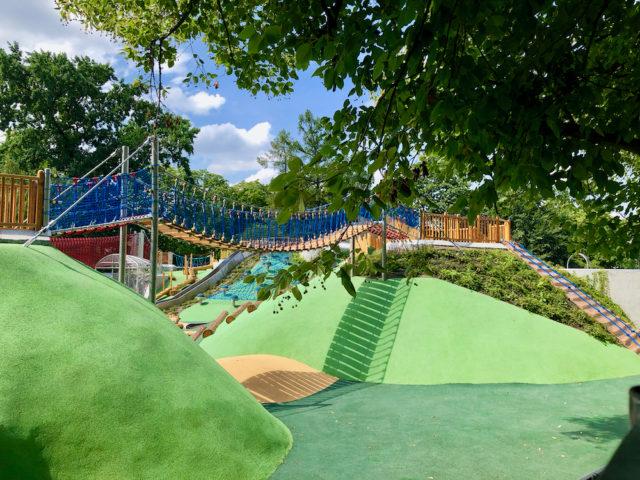 Plac zabaw Park Ujazdowski to wspaniałe miejsce dla dzieci w każdym wieku