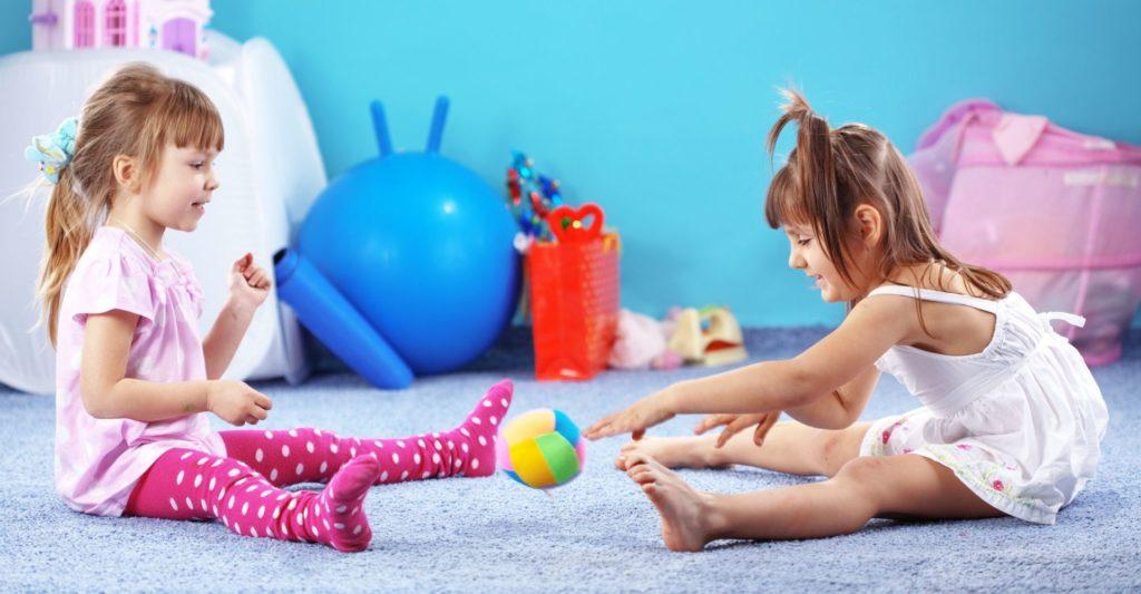Jakie objawy dają zaburzenia integracji sensorycznej? Jak je rozpoznać i jak wspierać dziecko z zaburzeniami SI?