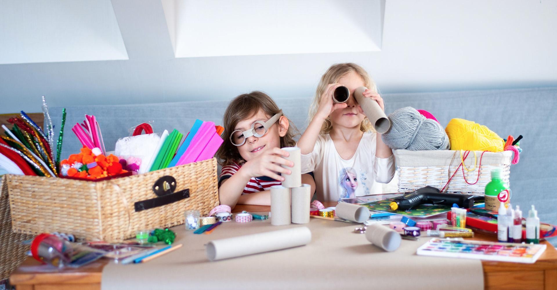 Co ciekawego można zrobić z rolki po papierze toaletowym? Poznaj super pomysły DYI na prace plastyczne dla dzieci!