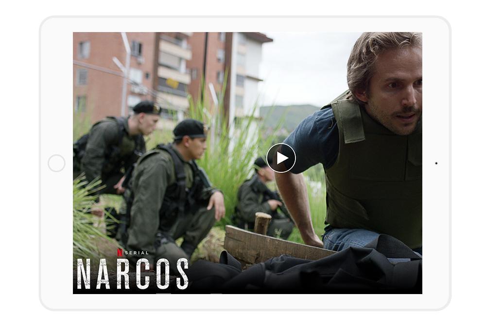Jeśli szukasz czegoś trzymającego w napięciu, Narcos zdecydowanie wciąga i nie pozwala odejść sprzed TV.