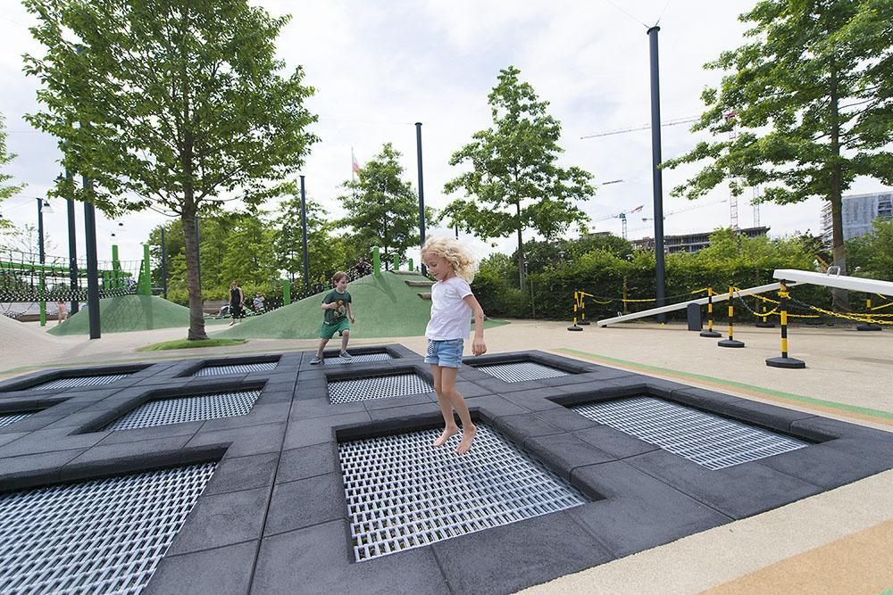 Najlepszy plac zabaw w mieście został ponownie otwarty dla dzieci.