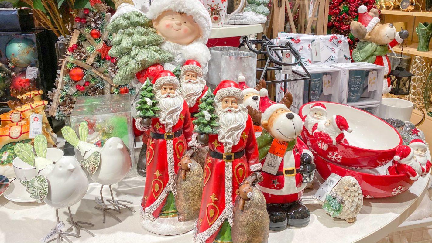 Piękne ozdoby świąteczne i dekoracje na Boże Narodzenie.