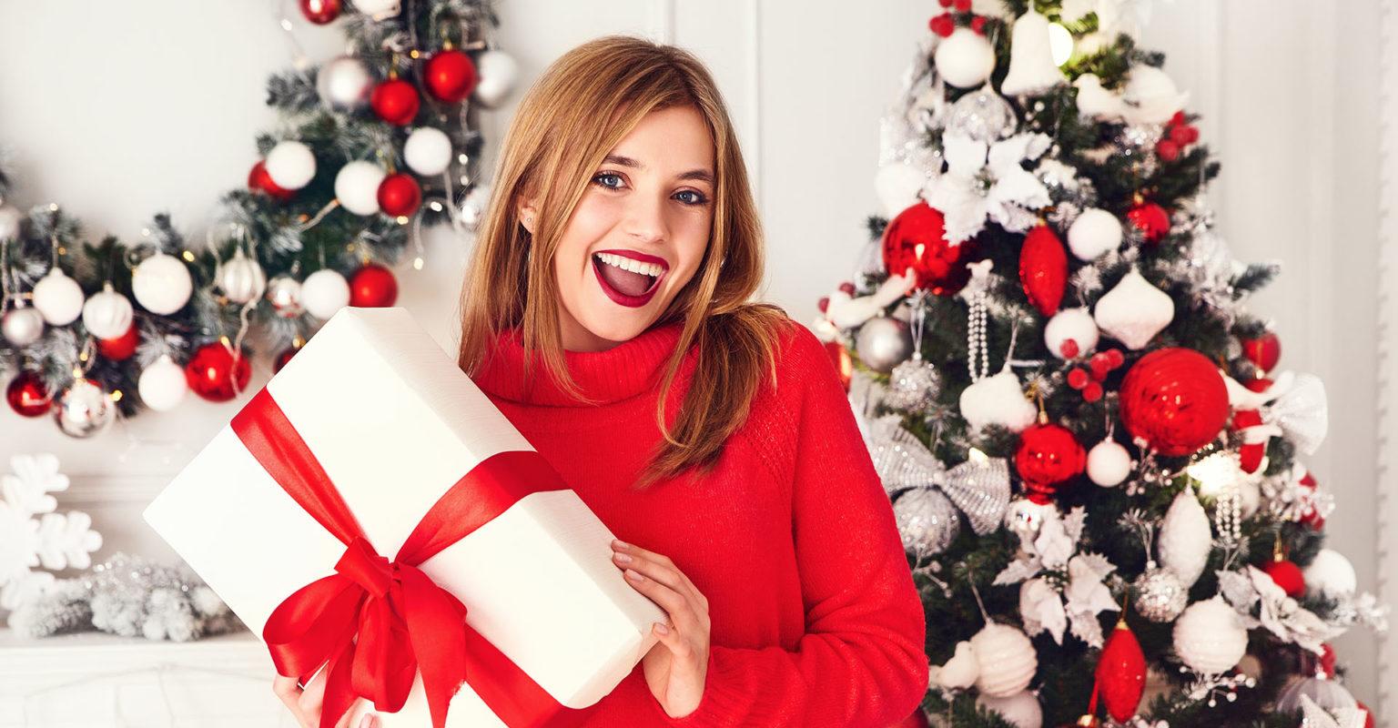 Najlepsze pomysły na prezenty na Święta Bożego Narodzenia - dla męża, siostry, przyjaciółki i rodziców - super inspiracje!